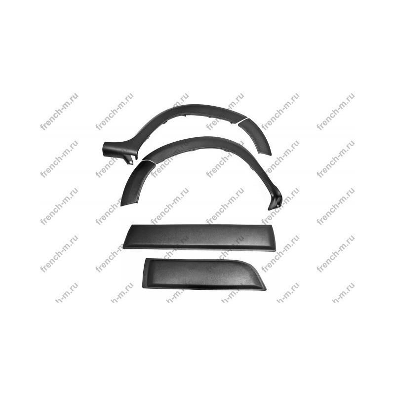 Расширители колесных арок с молдингами на двери Renault Duster 2015-